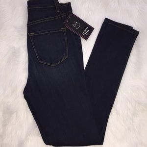 Absolutely new jeans 👖 High rise legging fashion